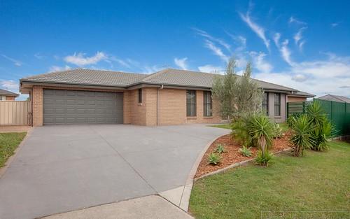 28 Mileham Circuit, Rutherford NSW