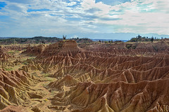 Desierto de la Tatacoa (Tato Avila) Tags: colombia colores cálido cielos cactus desierto desiertodelatatacoa naturaleza nikon nubes texturas arquitectura huila colombiamundomágico