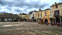 Monpazier /Midi Pyrénees (jo.misere) Tags: monpazier midipyrénees france frankrijk middeleeuwen medieval town middeleeuws stadje marktplein marketplace