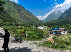Ghasa - Mustang (Tom Neumann) Tags: sony a6000 16mm nepal mustang roadtrip motorcycle himalaya annapurna landscape adventure paisaje viaje motocicleta arboles trees mountains montañas range cordillera cielo sky aventura rider royalenfield