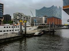 Hamburg (Mikesch.75) Tags: hamburg deutschland city architektur fluss schiff hansestadt elbe elbphilharmonie tag water wasser brücke