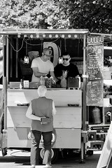 090618. Boca-dillo. #aronastreetfood #arona #lagomaggiore #fujifilm #xt10 #fujifilmxt10 #fujixt10 #fujifilm_xseries #esFujifilmX #fujifilmitalia #fujifollowme #fujilover #xphotography #fujistas #esfujifilmx  #exxplorevision #femalephotographer #hartcollec (scattitelefonici) Tags: arona lagomaggiore fujifilm xt10 fujifilmxt10 fujixt10 fujifilmxseries esfujifilmx fujifilmitalia fujifollowme fujilover xphotography fujistas exxplorevision femalephotographer hartcollective lensculture roughmgz streetphotography streetseries streetartistry streetbwcolor onthestreets everydayeverywhere fromstreetwithlove