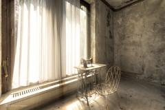 the good old days (Blacklight Fotografie) Tags: nähmaschine gutealtezeit decay abandoned verlassen verfallen lost urbex hdr lostplace stuhl chair licht lichstimmung