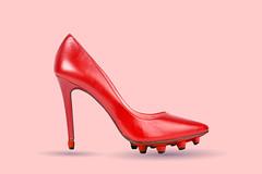 FOOTBALL (vlekuona) Tags: zapato zapatorojo tacoalto rojo calzado cuero piel clásico cómodo elegancia mujer femenino señora chica perfil tienda decompras zapateria estilodevida fe vistadecerca tacón moda meneidadzapatosdemujer diseño fiesta glamour calzar spain