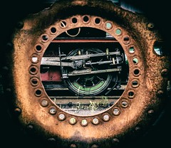 Through the round window (Blaydon52C) Tags: round circle vignette rust decay metal wheel circles pattern steam industry industrial hawthornleslie no2 2 engine locomotive locomotives loco railway rail railways trains train transport