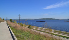 Overlook at the embankment (МирославСтаменов) Tags: russia togliatti volga river sky cirrus powerline embankment slope path