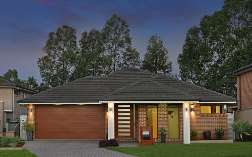 19 Fysh Av, Middleton Grange NSW 2171
