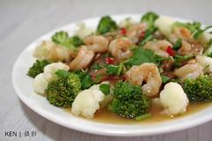 [self cook] Broccoli + prawns + sliced pork in premier abalone sauce (Ken Goh thanks for 2 Million views) Tags: selfcook home cooking pork broccoli prawns abalone macro pentax k1 da35 f28 sauce