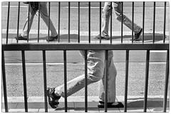 OKSF 159 (Oliver Klas) Tags: okfotografien oliver klas street streetfotografie streetphotography strassenfotografie streetart streetphotographer streetphoto stadtleben streetlife streetculture urban schwarzweis schwarzweissfotografie blackandwhite monochrom farbe abstrakt dunkel hell grau schwarz weiss personen people menschen persons volk familie angehörige bewohner bevölkerung leute europäer mann frau kinder children kids deutschland germany stadt city europa deutsch staat kunst art künstler kultur künstlerisch modern kreativ gestaltung gestalterisch originell kunstvoll laufen gehen schreiten tanzen bewegen rennen spazieren schuhe beine füse biegen gebeugt de