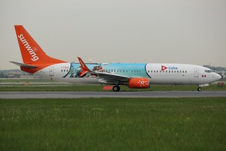 Here is SunWing Airlines With Split Scimitar Winglets C-FDBD
