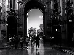 Galleria Vittorio  Emanuele, Milano (Eggii) Tags: monochrome bw street monostreet gallery italy milano