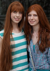 "Italian sisters (e³°°°) Tags: rossitalia ""capelli rossi"" milano milaan meiland italian italy italië italien italiaans duomo dom ""piazza duomo"" rood roodharigendag red retratos rouge ros roodharig rot rothaarig hair redhead rossitalia2018 pelirrojo portrait portraiture posing retrato rosso lady woman mademoiselle female femme frau mädchen girl girls glimlach ginger lach smile sorria sonrisa sourire stunning gals women vrouw ragazze красный рыжий ryzhiy pelirroja redhaired mc1r"