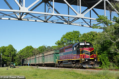 Trash Train at Aptuxet (Roman Daniels) Tags: mc 2010 aptuxet bourne bridge cape cod train trash