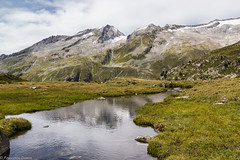 Piccoli specchi (cesco.pb) Tags: valleaurina lagodineves rifugioporro sudtirol altoadige alps alpi alpiaurine zillertalleralp canon canoneos60d tamronsp1750mmf28xrdiiivcld italia italy montagna mountains ruscello