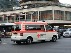 Emergency Services - German Red Cross - Volkswagen Caravelle Ambulance - Berlin, Germany - June 2018 (firehouse.ie) Tags: deutschesrotekreuz redcross drk germany berlin krankenwagen ambulance fourgon caravelle volkswagen vw