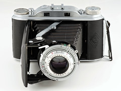 Agfa Record III (Jörg Krüger) Tags: vintage camera analog film agfa record recordiii mediumformat rollfilm compur solinar folder folding rangefinder