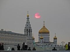 (janepesle) Tags: moscow europe urban city architecture sunset россия москва архитектура храм христа спасителя зарядье парк