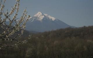 11/04/2010 le pic du Cagire vu de Galin, commune de Rouède 31160