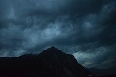the storm behind the mountain (LikeTheHitter) Tags: tempesta montagna temporale storm mountain der sturm hinter dem berg la tempête derrière montagne tormenta detrás de montaña tempestade atrás da montanha dietro