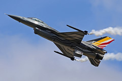 FA-123 General Dynamics F-16AM Fighting Falcon Belgian Air Force Special Solo Display Colours RAF Fairford RIAT 14th July 2017 (michael_hibbins) Tags: fa123 general dynamics f16am fighting falcon belgian air force special solo display colours raf fairford riat 14th july 2017 jet aircraft aviation aeroplane aerospace airplane aero airshow military fighter strategic defence
