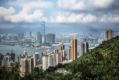 Kitschy Kowloon (peter.heindl) Tags: panorama kowloon 九龙 nine dragons pano vintage style sky101 lung fu shan country park pinewood battery hong kong hongkong kitschy kitchy kitschig ausblick lookout outlook view harbor harbour victoriaharbour peak
