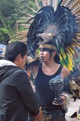 Limpia (Evelio AD) Tags: limpia méxico mx latino ritual negro plumas incienso