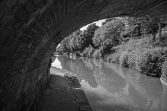 Kennet and Avon Canal (thulobaba) Tags: kennetandavoncanal canal towpath wiltshire devizes water navigation tunnel bridge brick arch
