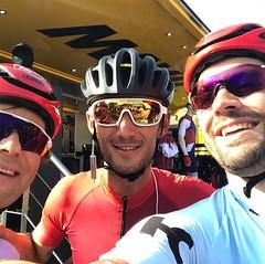 Via Alpecin Cycling, werd ik ook uitgenodigd door Fränk Schleck (midden) om zijn Gran Fondo te komen fietsen. Het leek mij, met 155km en 2500 hoogtemeters een ideale graadmeter om te kijken of ik goed op weg ben voor L'Etape du Tour. En een test, dat was