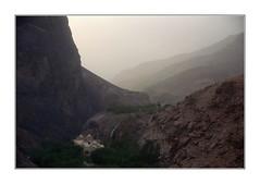 Le soleil se couche sur le canyon / Jordanie (PtiteArvine) Tags: moyenorient jordanie canyon coucherdesoleil oasis bâtiment
