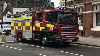 Herts Fire & Rescue Reserve Pump Responding