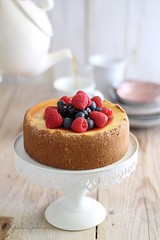 NEW YORK CHEESECAKE (GIULIA GODEASSI) Tags: foodphotography foodstyling giuliagodeassi cheesecake food newyork cakes sweets pottery