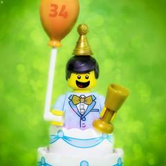 Birthday Boy (Jezbags) Tags: birthday boy lego legos toy toys macro macrophotography macrodreams macrolego canon canon80d 80d 100mm closeup upclose 34 drinks balloon