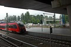 Ostkreuz: Regionalbahnsteig der Frankfurter Bahn (lt_paris) Tags: berlin ostkreuz sbahn eisenbahn ringbahn bahnhof regionalbahnsteig bahnsteig frankfurterbahn gleis ringbahnbrücke