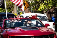 Man taking Photo (ShebleyCL) Tags: 2018 holidays road everett technology car parade cars video crusincolby smartphone traffic phone