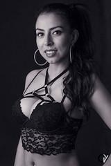 Ely. Desafío. (Carlos Velayos) Tags: retrato portrait chica girl mujer belleza beauty strobist morena brunette latina latin woman lenceria lingerine sonrisa smile blancoynegro blackandwhite monocromo monochrome