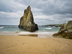 Viene hacia ti¡ (la_magia) Tags: agua asturias mareas playas reflejos rocas arena playamexota nubes esmeralda olas tapiadecasariego españa