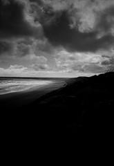 Þorlákshöfn (alex omarsson) Tags: 96 125 2018 35mmfilm ilfordfp4 jupiter8 leicam6 rodinal125 strönd ísland