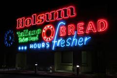 Holsum Bakery (avilon_music) Tags: holsumbakery holsumbread bakery romanmeal bread neonsigns neon signage neonlights lasvegas 1908 nightneon americanbrands fonts