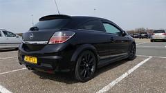 Opel Astra OPC (sjoerd.wijsman) Tags: zuidholland holanda olanda holland niederlande nederland thenetherlands netherlands paysbas carspot carspotting cars car voiture fahrzeug auto autos opelastra opel astra opc opelastragtc opelastraopc astragtc astraopc astrah opelastrah black schwarz zwart noir 31xfll sidecode6 hoekvanholland 08042018