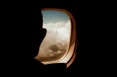 La ventana de un avión (Alejandro Hoyos Hurtado) Tags: sky avion iso100 kodak 35mm