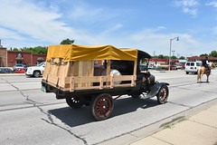 Wagons For Warriors - Route 66 (Adventurer Dustin Holmes) Tags: 2018 parade wagonsforwarriors route66 missouri vehicles car automobile truck antique old vintage ford model t flatbed wagon wood wooden woodenbedrails woodbedrails covered transportation