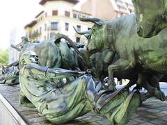 Monumento al Encierro Pamplona Spain (die Augen) Tags: pamplona bull statue nikon coolpix b700 encierro
