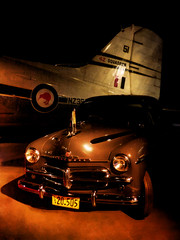 42 Squadron (Steve Taylor (Photography)) Tags: 42squadron kiwi vauxhall flag car vehicle brown ambassador plane airplane aircraft rnzaf royal newzealand airforce government gvt decal 51 cvt 20 505 dark lowlight shadow tail aeroplane old bumper headlamp headlight southisland nz canterbury christchurch douglas dakota transport c47 c47b vintage airforcemuseum wigram