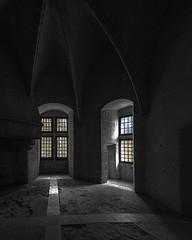 Château de Septmonts, Soissonnais (Air'L) Tags: noiretblanc nb bw blackandwhite château window fenêtre picardie france septmonts médiéval europe architecture ogives