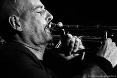 Christophe Schweizer: trombone (jazzfoto.at) Tags: sony sonyalpha sonyalpha77ii alpha77ii sonya77m2 portrait retrato portret inntöne inntöne2018 diersbach sauwald jazzambauernhof jazzfestival musiker musik music bühne concerto concierto конце́рт wwwjazzfotoat jazzfoto jazzphoto markuslackinger jazz jazzlive livejazz konzertfoto concertphoto liveinconcert stagephoto blitzlos ohneblitz noflash withoutflash sw bw schwarzweiss blackandwhite blackwhite noirblanc bianconero biancoenero blancoynegro zwartwit pretoebranco