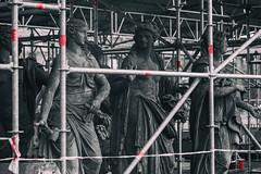 Women's prison (michael_hamburg69) Tags: potsdam germany deutschland brandenburg sanssouci schloss castle barock sculpture skulptur neuespalais dasneuepalais female gerüstbau eingerüstet sanierung restaurierung instandsetzung women'sprison jail prison frauenknast gefängnis