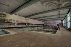 atlantis swimming team (Jana Lumina) Tags: hotel atlantis janalumina lumina urbex urbanexploration swimmingpool swimming