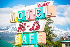 Hi-Lo Motel (Thomas Hawk) Tags: america california hilocafe hilomotel northerncalifornia siskiyoucounty usa unitedstates unitedstatesofamerica weed motel neon neonsign us fav10 fav25 fav50 fav100