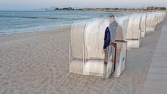 20180521_210110_selbst am Strand 08 (wos---art) Tags: bildschichten selbst strand strandkorb reihe glowe