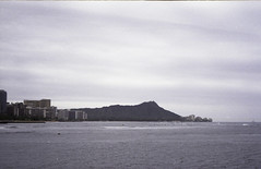 Magic Island/ Ala Moana Beach Park (Shirley Lam Images) Tags: yashicat4zoom film 35mmfilm agfavista200 35mm believeinfilm buyfilmnotmegapixels honoluluhawaii magicislandbeach alamoanabeachpark